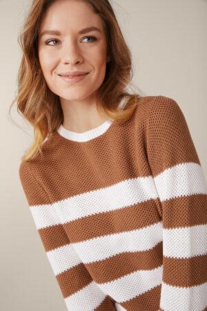 Baumwoll-Strick-Pullover in Caramel-Weiß gestreift