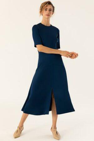Midi Kleid in A Linien Form
